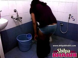 amateur big desi housewife indian shower