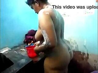 aunty bathtub desi