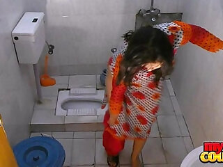 ass aunty bathtub desi son stripping
