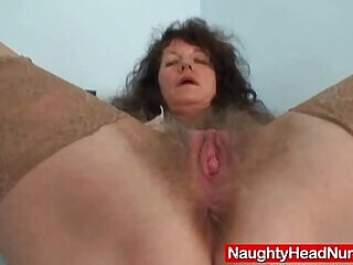 amateur hairy mommy