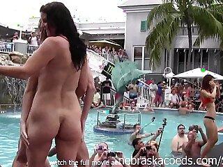 Amateurinnen Hintern Gangbang Mädchen Lesben Orgie