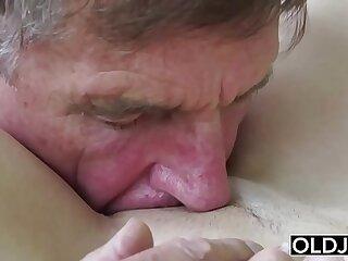 18 years blonde blowjob cumshot deepthroat fingering
